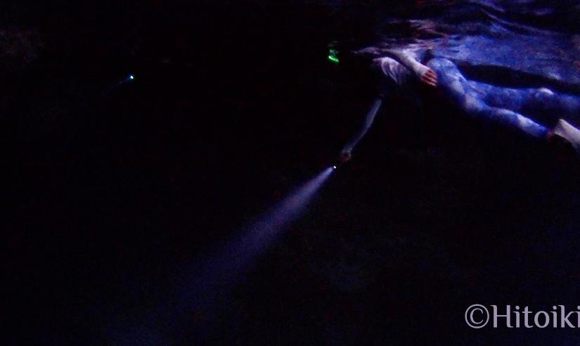 真栄田岬の青の洞窟でナイトダイビング(素潜り)!夜光虫が綺麗!